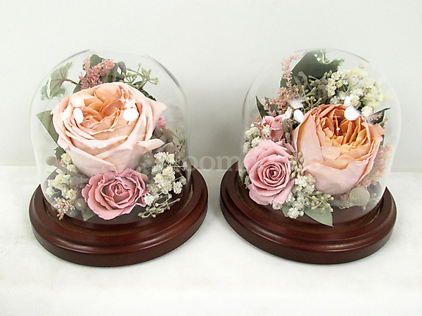 Keepsake Domes from Wedding Bouquet